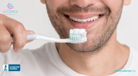 Cómo saber escoger la pasta de dientes adecuada por especialistas de La Clínica Dental